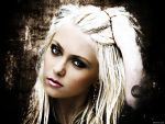 Taylor Momsen - 1024x768